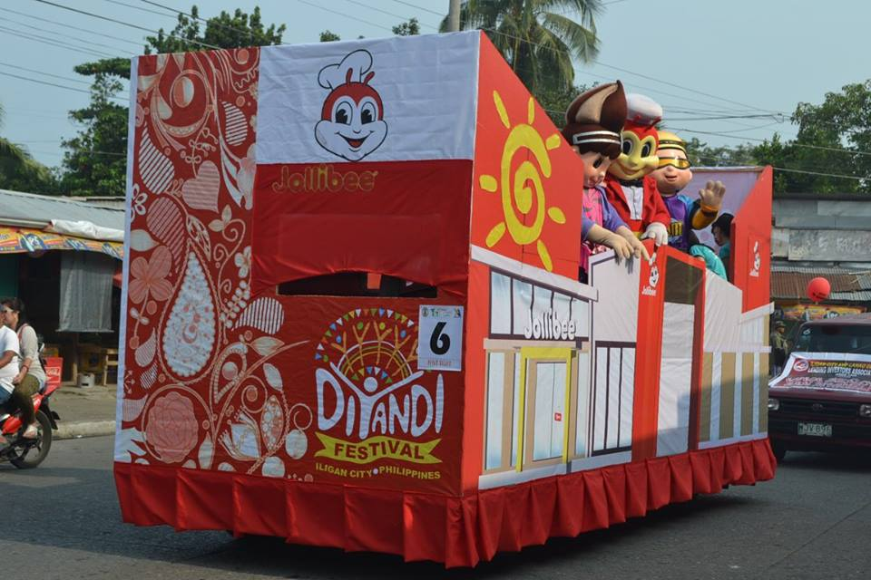Jollibee Float Regale 2015